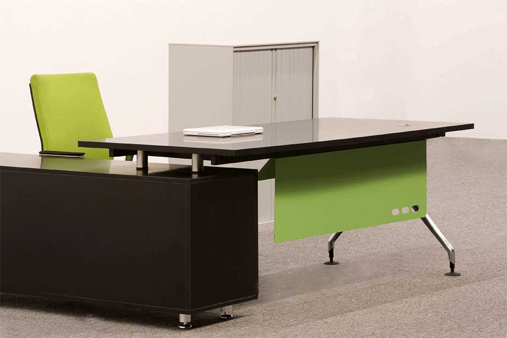Office Partitions Furniture Manager Table